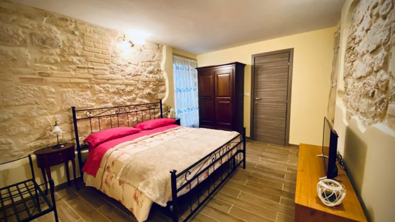 appartamento-giostra-camera-1024x576